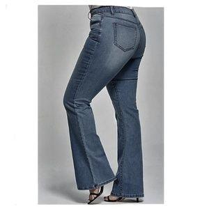 American Eagle hi rise artist flare jeans 18